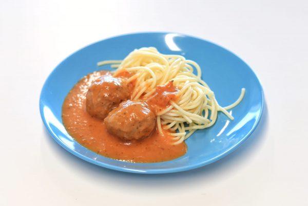 Prato Peixe - Almôndegas de Atum em Molho de Tomate com Esparguete